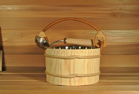 4 Litre (1 gallon) Sauna Bucket With Dipper - Stainless Steel Insert